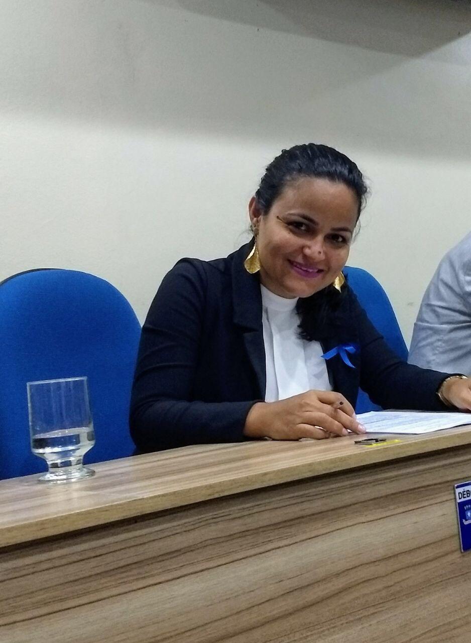 Débora Regis solicita melhorias para rua do Jardim Atalaia em Itinga