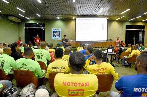 Detran capacita 2,2 mil profissionais do trânsito para o Carnaval