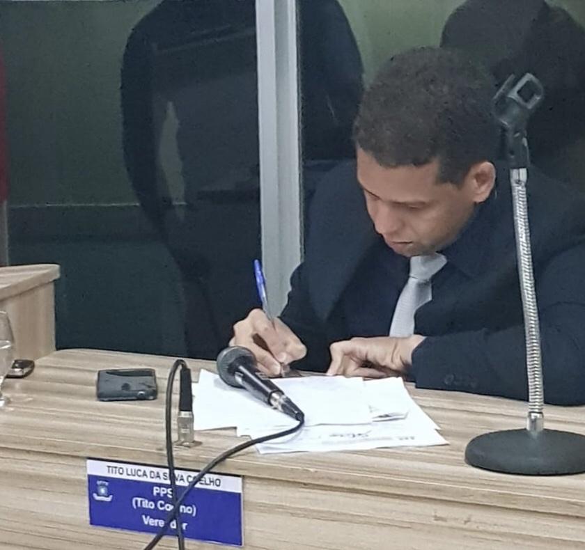 """""""A prefeita é bastante querida nas Pedreiras"""", afirmou Tito Coelho ao solicitar o recapeamento asfáltico para a localidade; veja vídeo"""