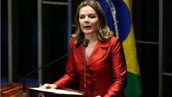 'Não vamos aceitar mansamente a prisão de Lula', diz presidente do PT