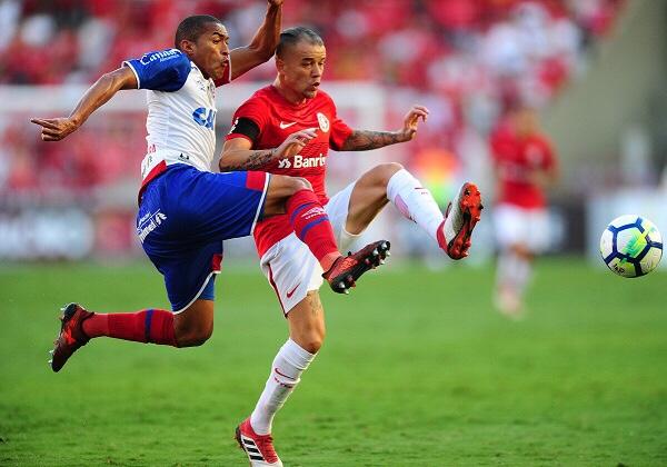 Bahia não joga bem e tropeça diante do Inter, fora de casa