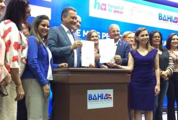 Deputada Mirela acompanha assinatura de convênio para combate ao câncer de mama e do útero.