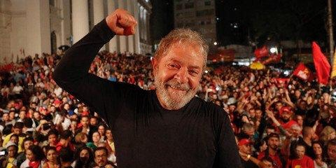 Datafolha: Lula lidera com folga intenções de voto