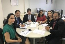 Reunião acertou detalhes para a implantação do PROCON em Lauro de Freitas