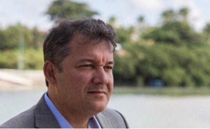 Mauro Cardim não para, o secretário também é correria