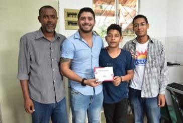 Curso de Capacitação em Manutenção de Computadores é oferecido pela Manassés gratuitamente para adolescentes da comunidade